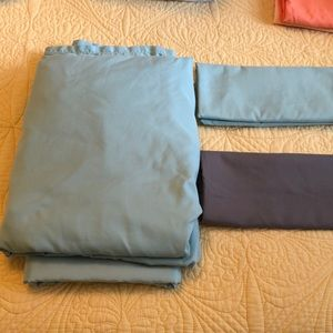Teal blue Twin XL sheets from Room Essentials